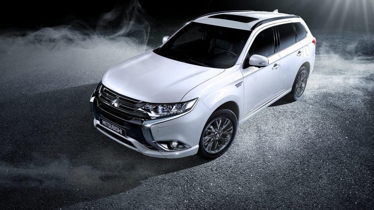 VIDEO: Mitsubishi Outlander 2018 proglašen najboljim SUV-om godine