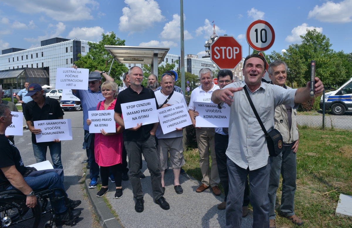 Tridesetak prosvjednika protiv HRT-ove ograde od emisije o Jasenovcu