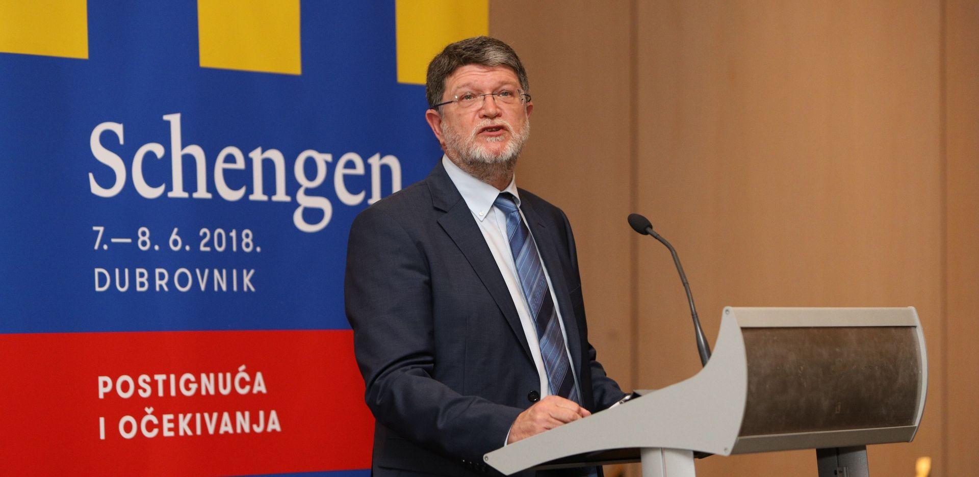 Rješenje za migrantsku krizu nisu stopiranje Schengena ni unutargranične kontrole