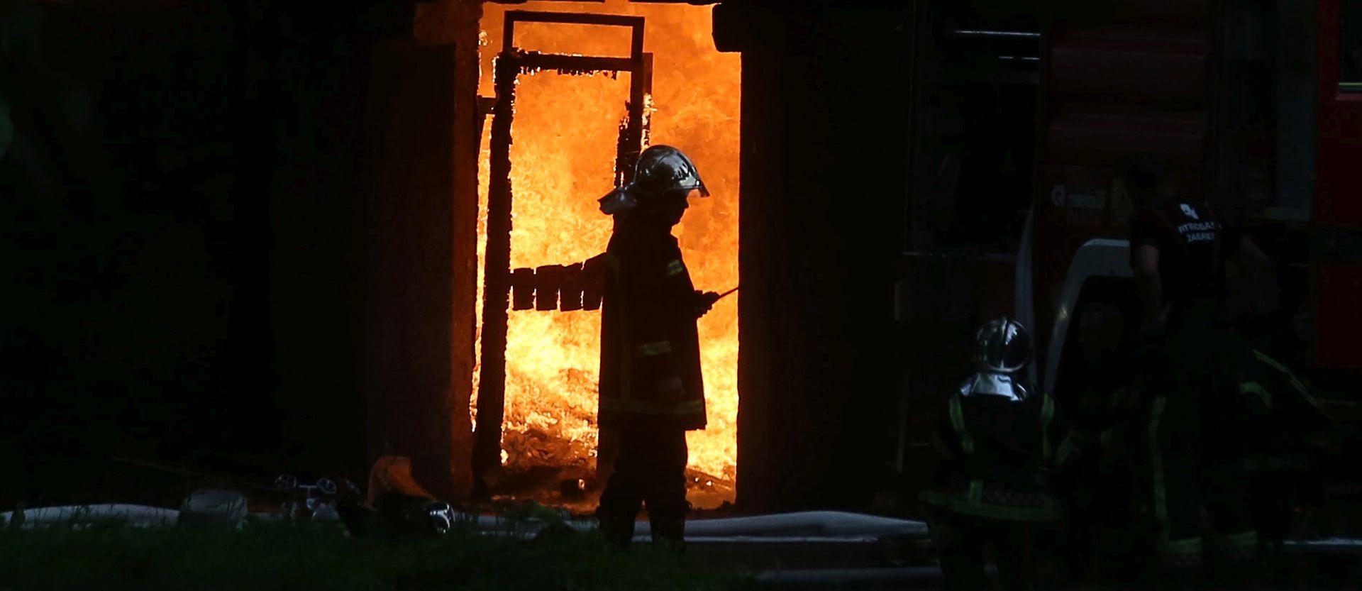 Vatrogasac teže ozlijeđen na Braču prevezen u KBC Split