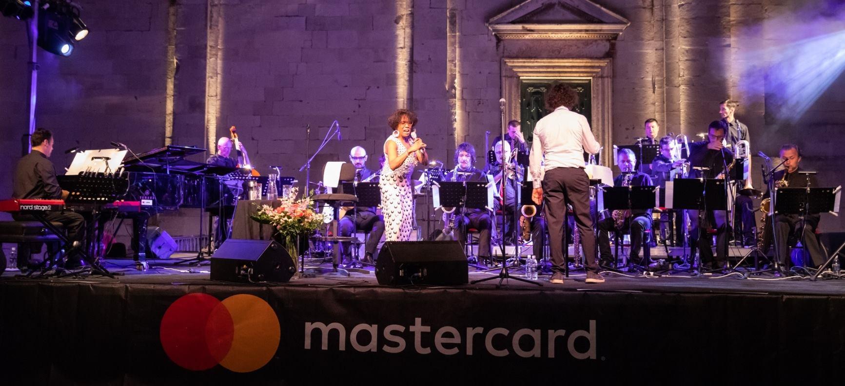 Ovacije brojne publike za Dee Dee Bridgewater i Jazz orkestar HRT-a