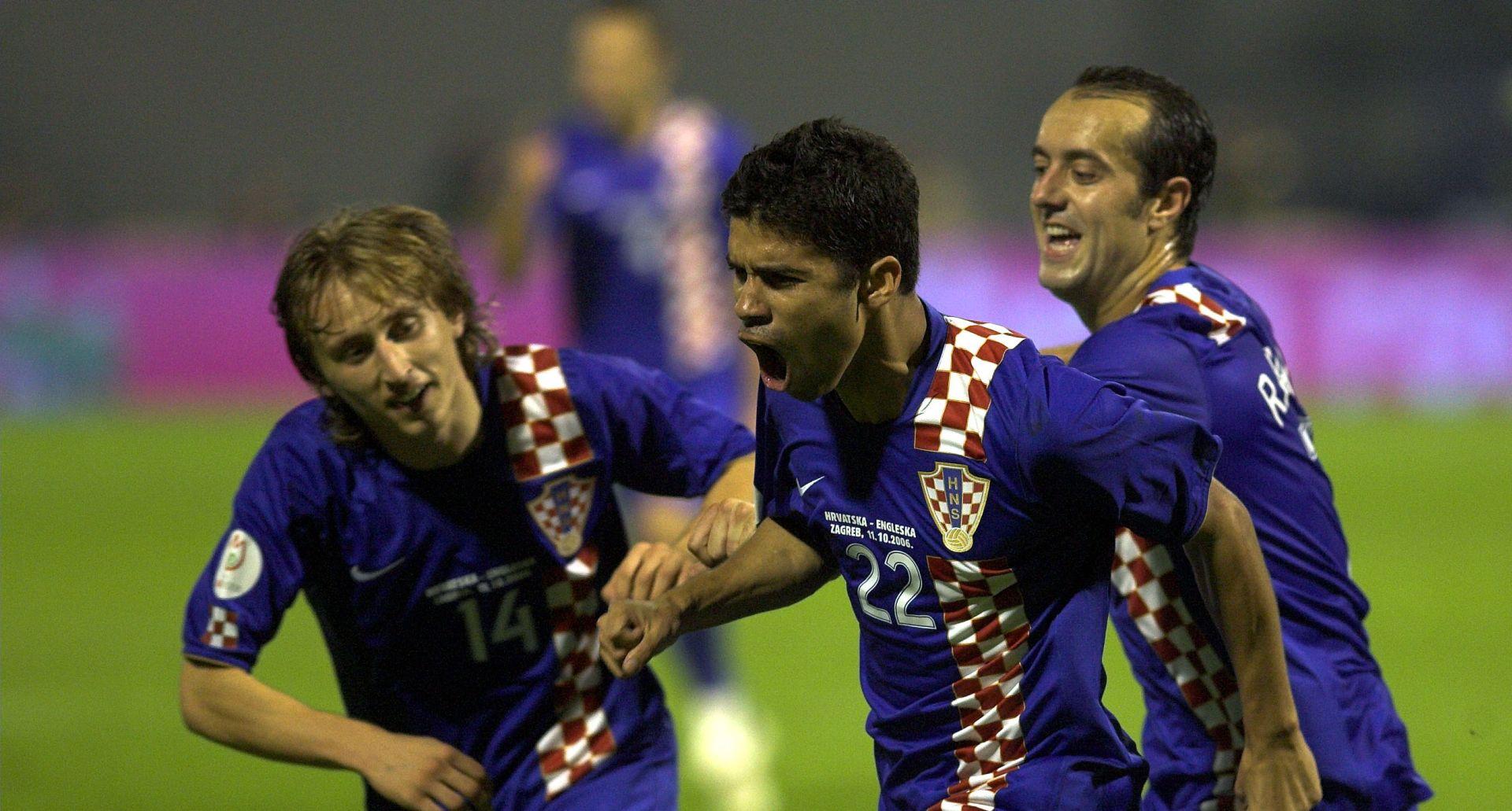 Susrete Hrvatske i Engleske obilježili 'Wally with the Brolly' i krtičnjak