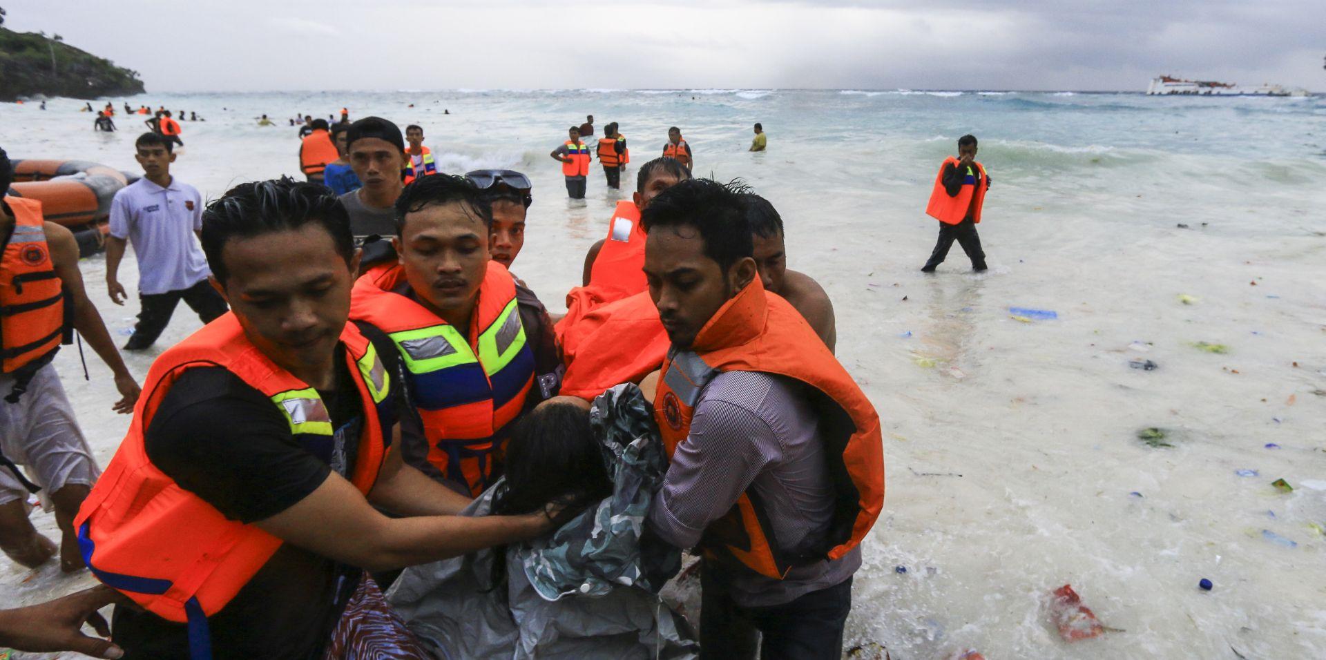 Potonuo trajekt u Indoneziji, 29 mrtvih, 41 nestali