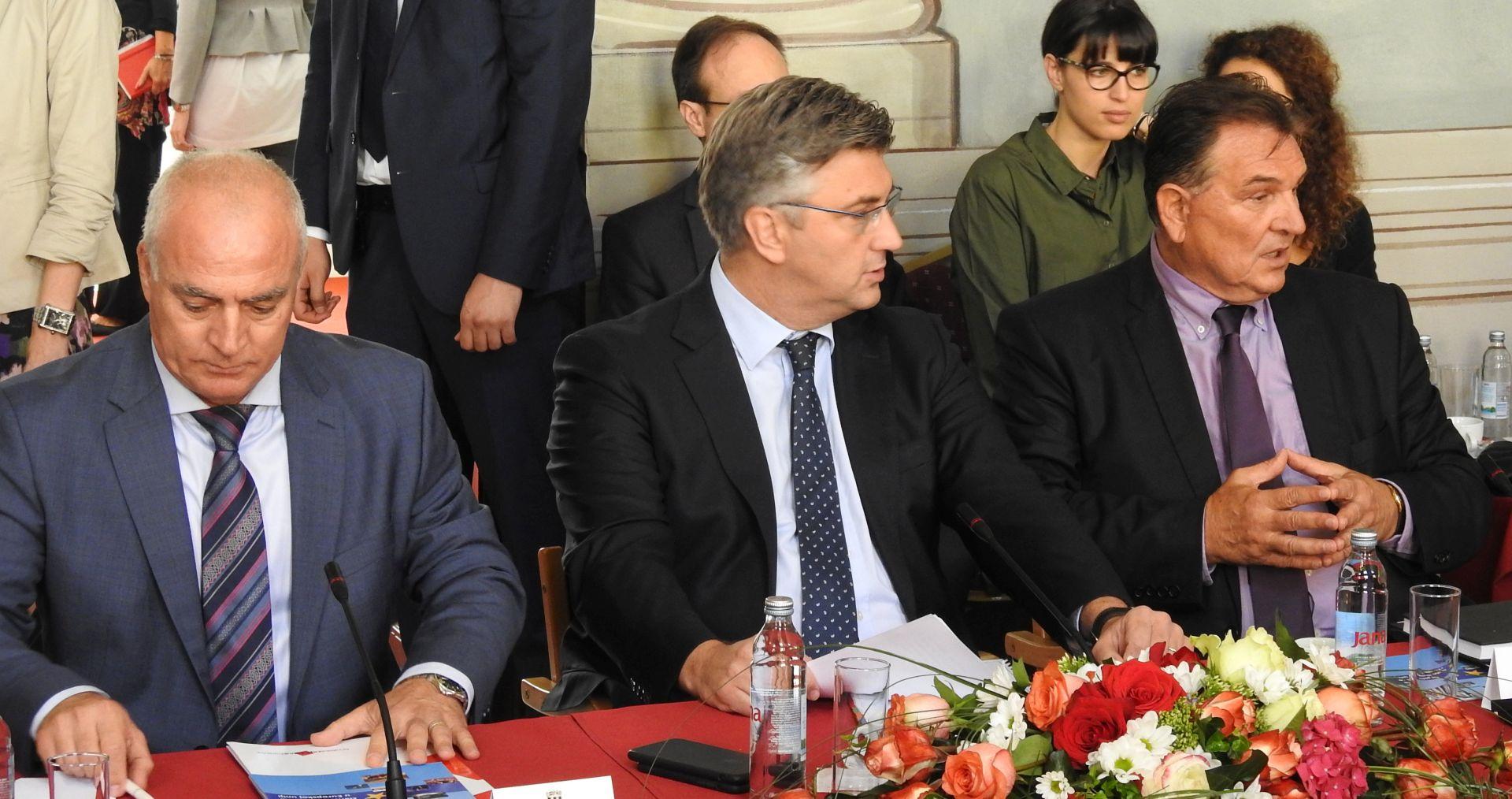 """PLENKOVIĆ """"Vlada i lokalni čelnici odlično surađuju"""""""