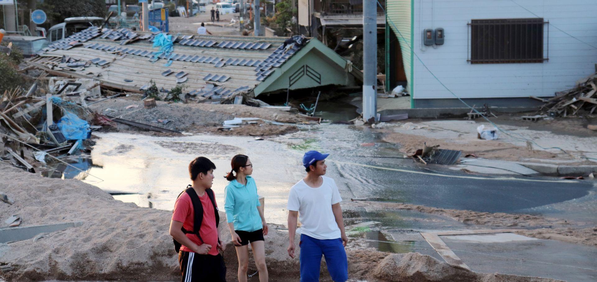 JAPAN Broj žrtava u poplavama porastao na 141