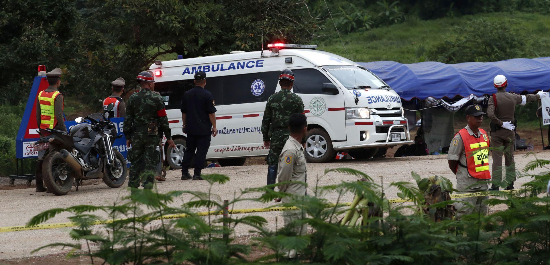 Spašeni tajlandski dječaci i trener u 'vrlo dobrom mentalnom stanju'