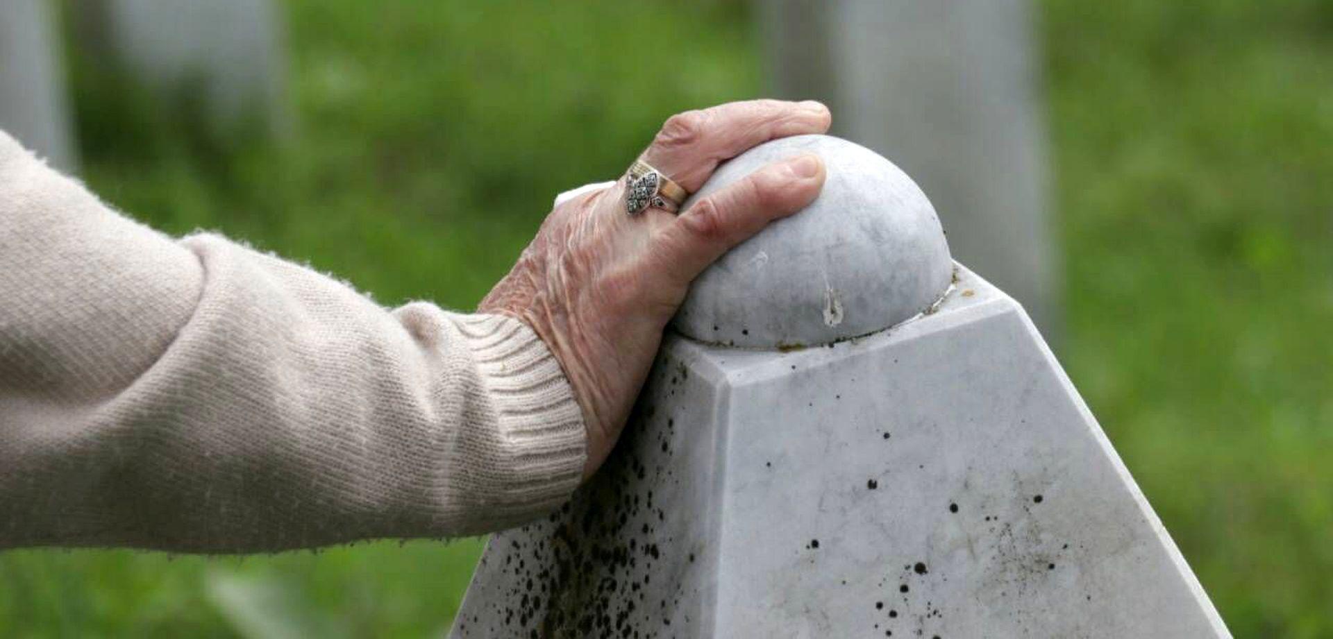 """PREDSJEDNICA """"Hatidžina smrt obvezuje nas na snažnije čuvanje Srebrenice"""""""