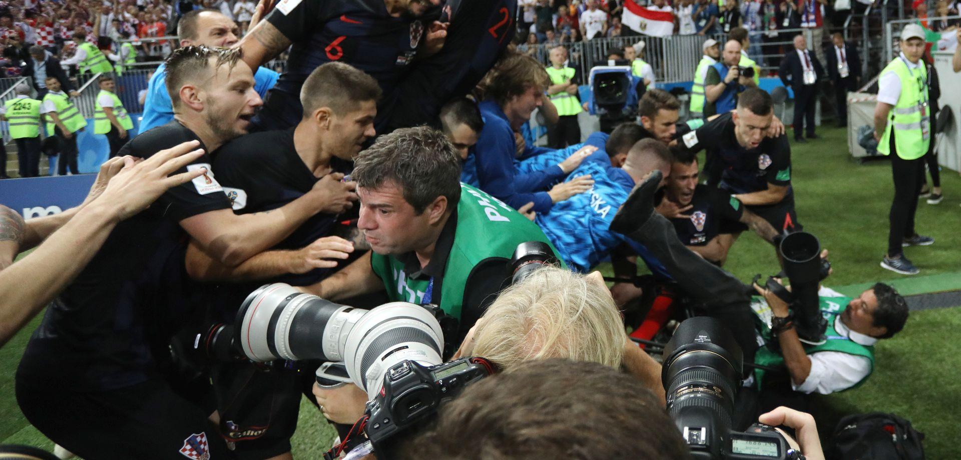 Fotograf kojeg su 'pregazili' Vatreni stiže u Hrvatsku