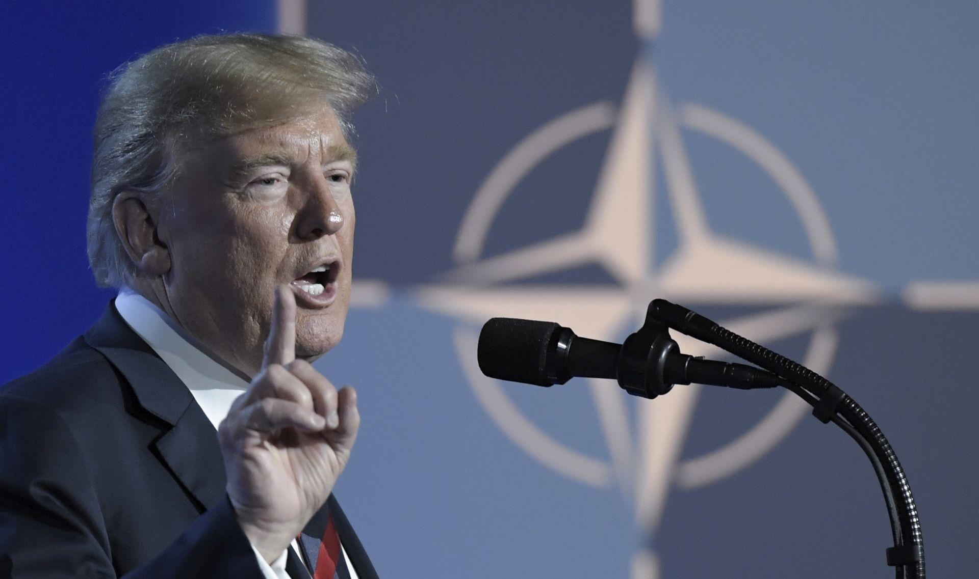 Na trenutke buran summit NATO-a na kraju završio u pomirljivom tonu