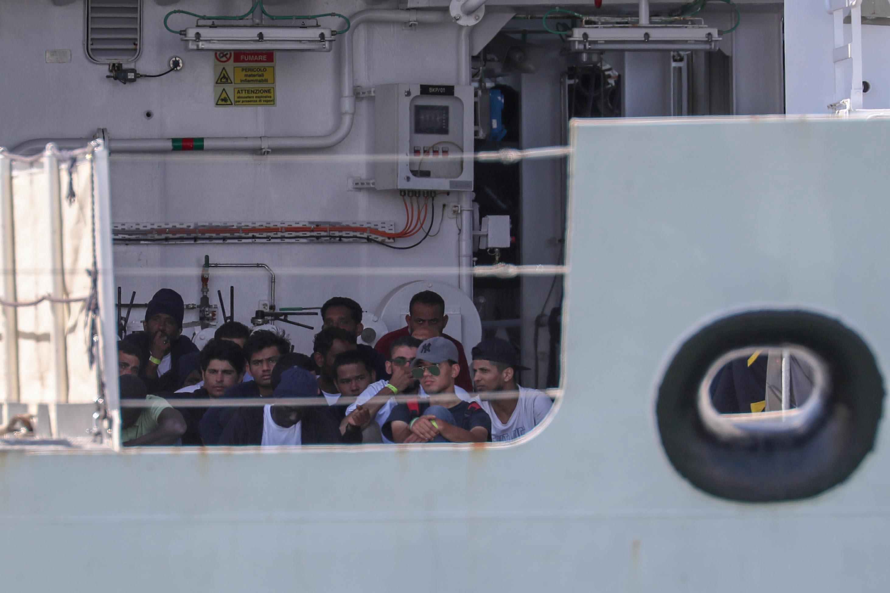 Italija spasila migrante, sad traži države koje će ih primiti