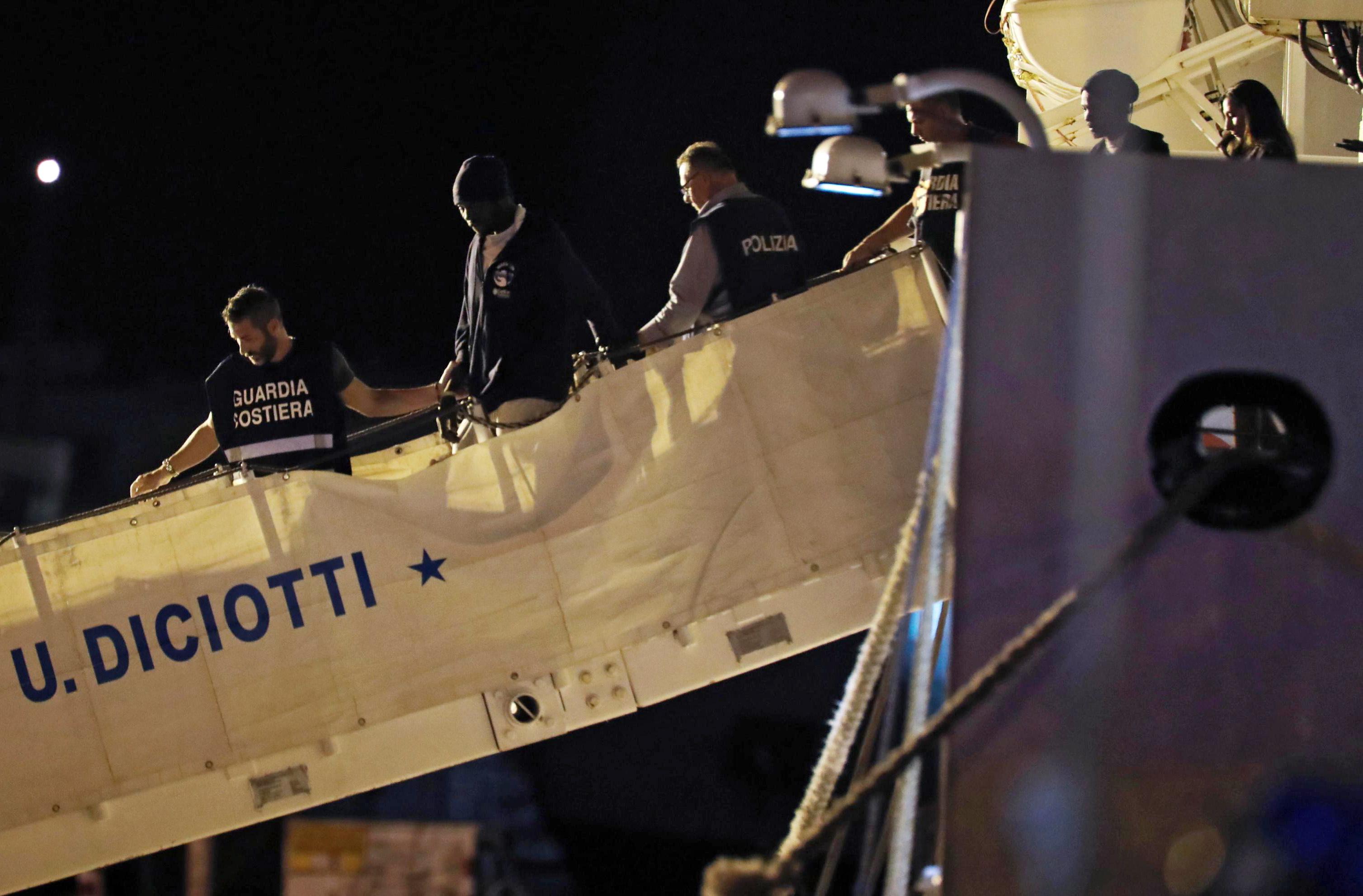 Francuska i Malta će primiti po 50 izbjeglica od 450 koje su spasili Talijani