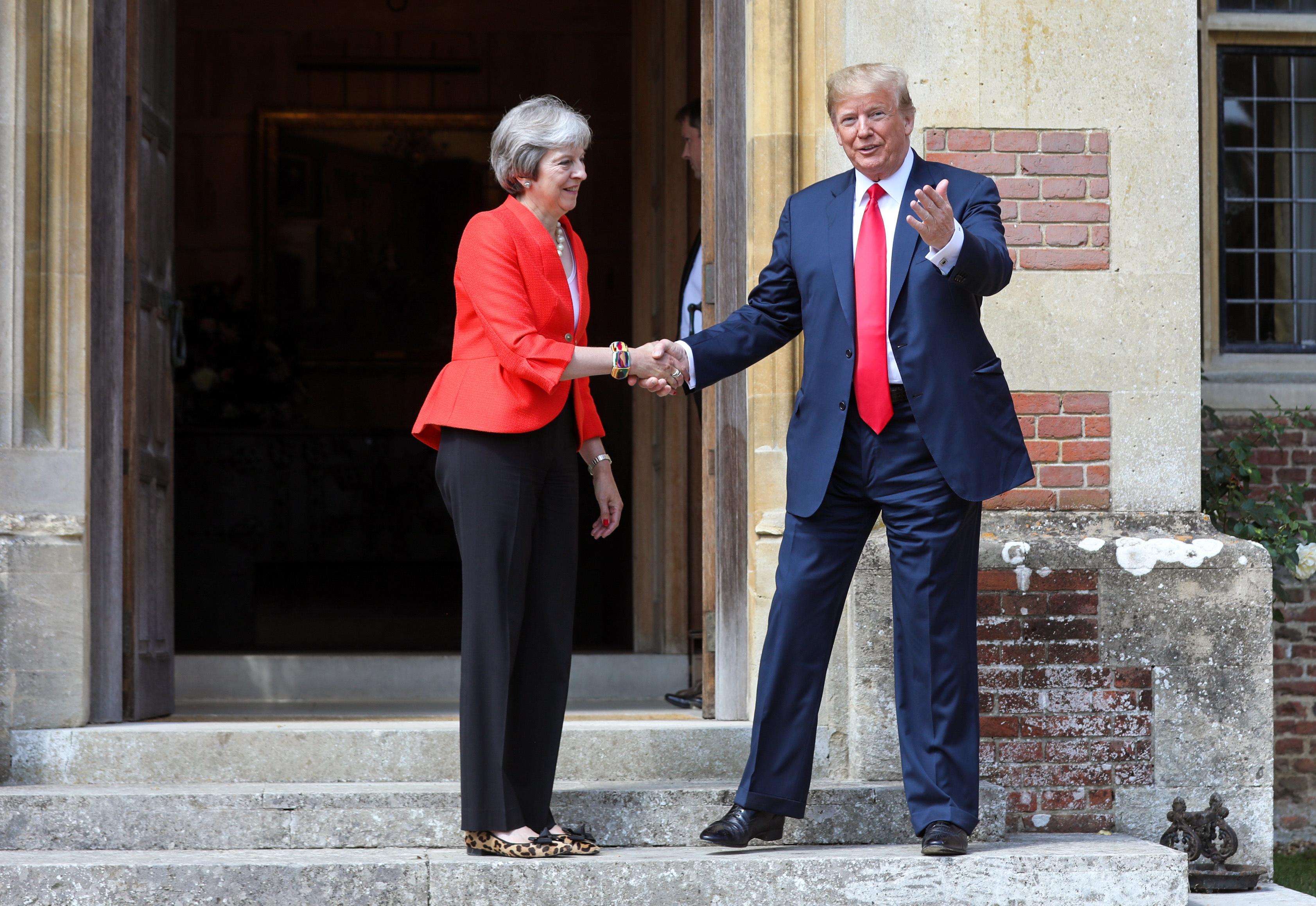 """MAY """"Trump me savjetovao da tužim EU"""""""