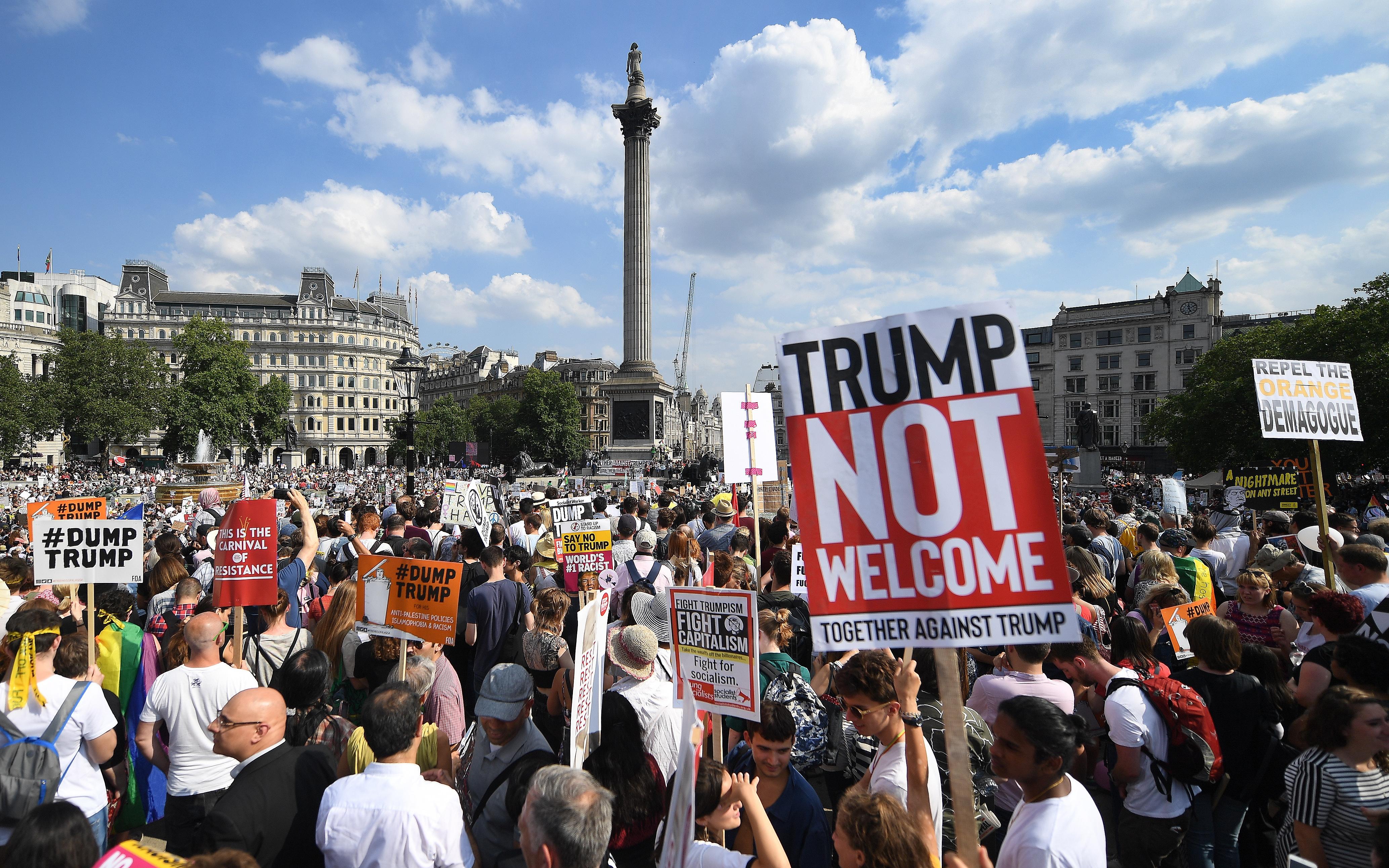 LONDON Deseci tisuća ljudi prosvjedovali protiv posjeta američkog predsjednika