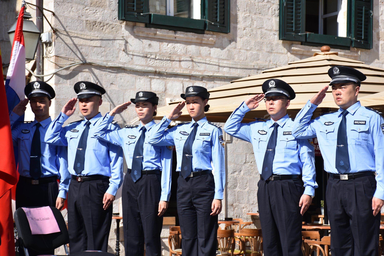 Šest kineskih policajaca tijekom ljetne sezone u zajedničkoj patroli s hrvatskim kolegama