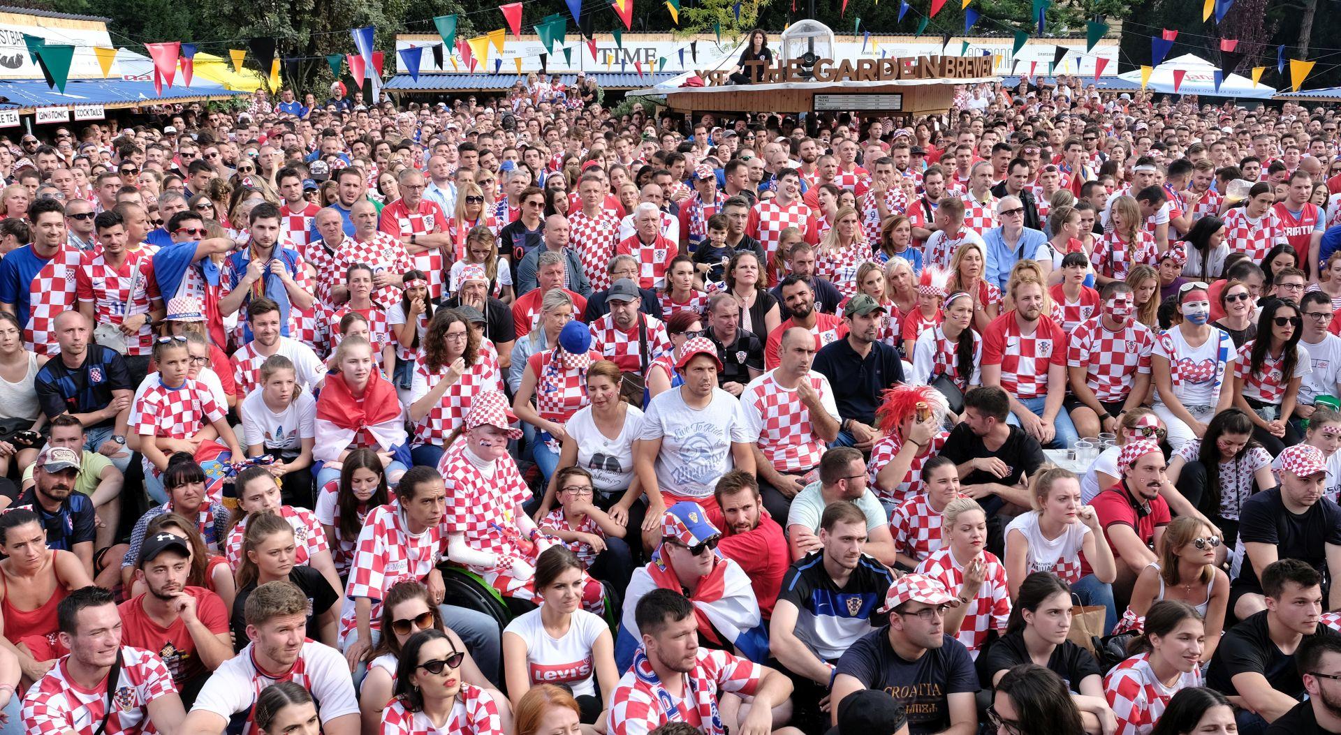ZAGREB Finale na otvorenom pratlo 35 tisuća navijača, oštećeni automobili