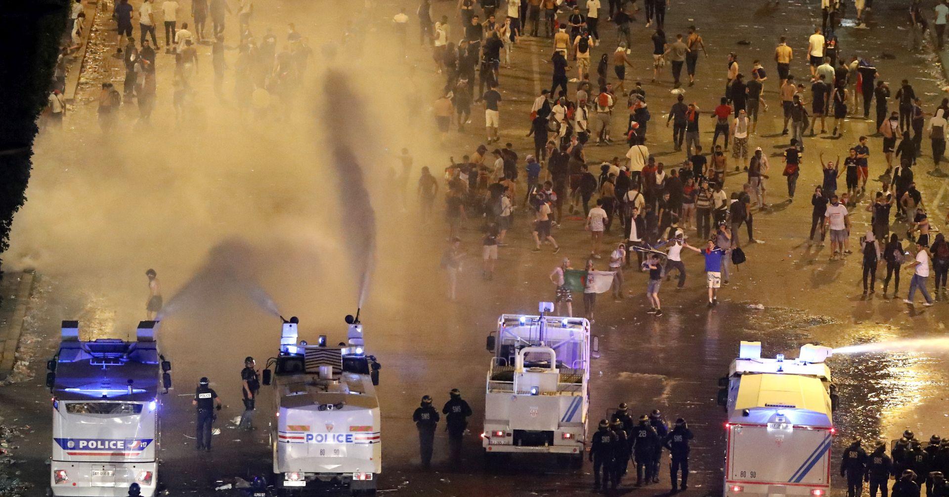 Nasilnici poremetili slavlje u Parizu nakon francuske pobjede