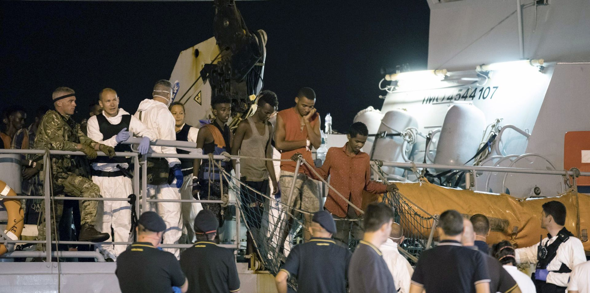 Migranti se iskrcali u talijansku luku