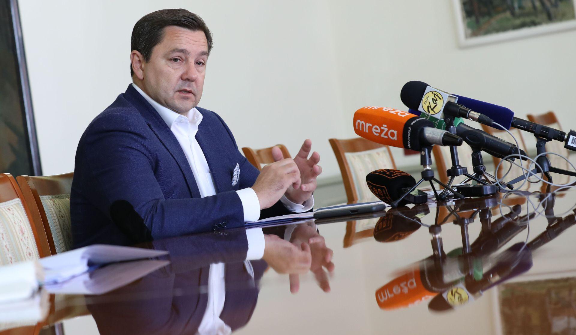"""MIKULIĆ """"Zagreb se dodatno zadužuje jer netko nije dobro planirao"""""""