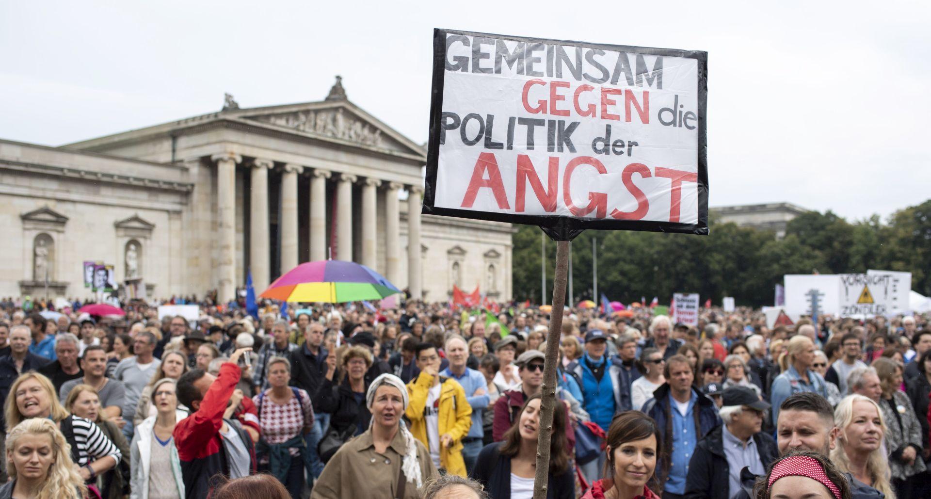 MÜNCHEN Masovni prosvjedi protiv skretanja društva udesno