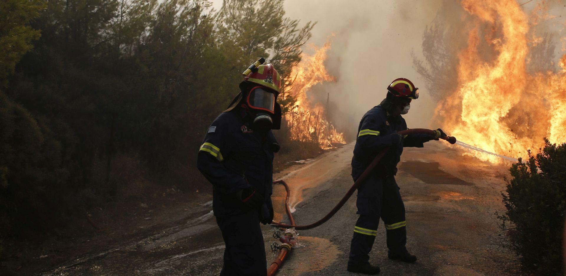 IZVANREDNO STANJE Najmanje 74 osobe poginule u požarima u Grčkoj