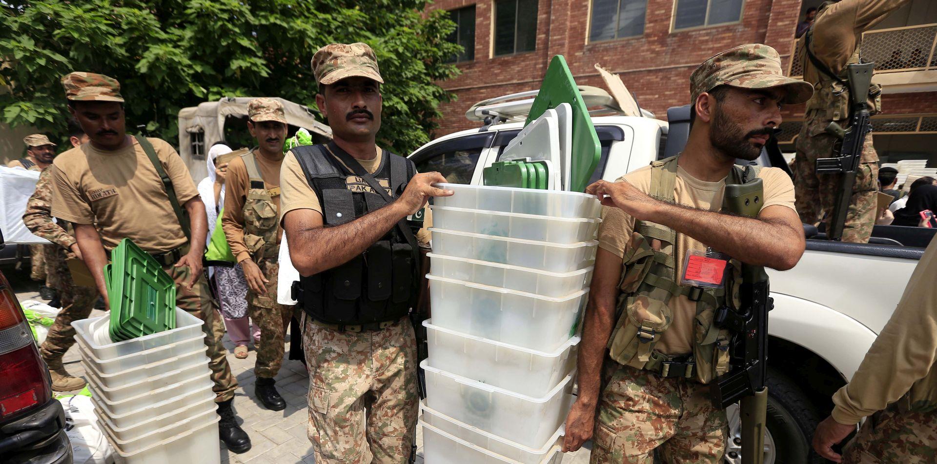 U Pakistanu otvorena birališta na parlamentarnim izborima