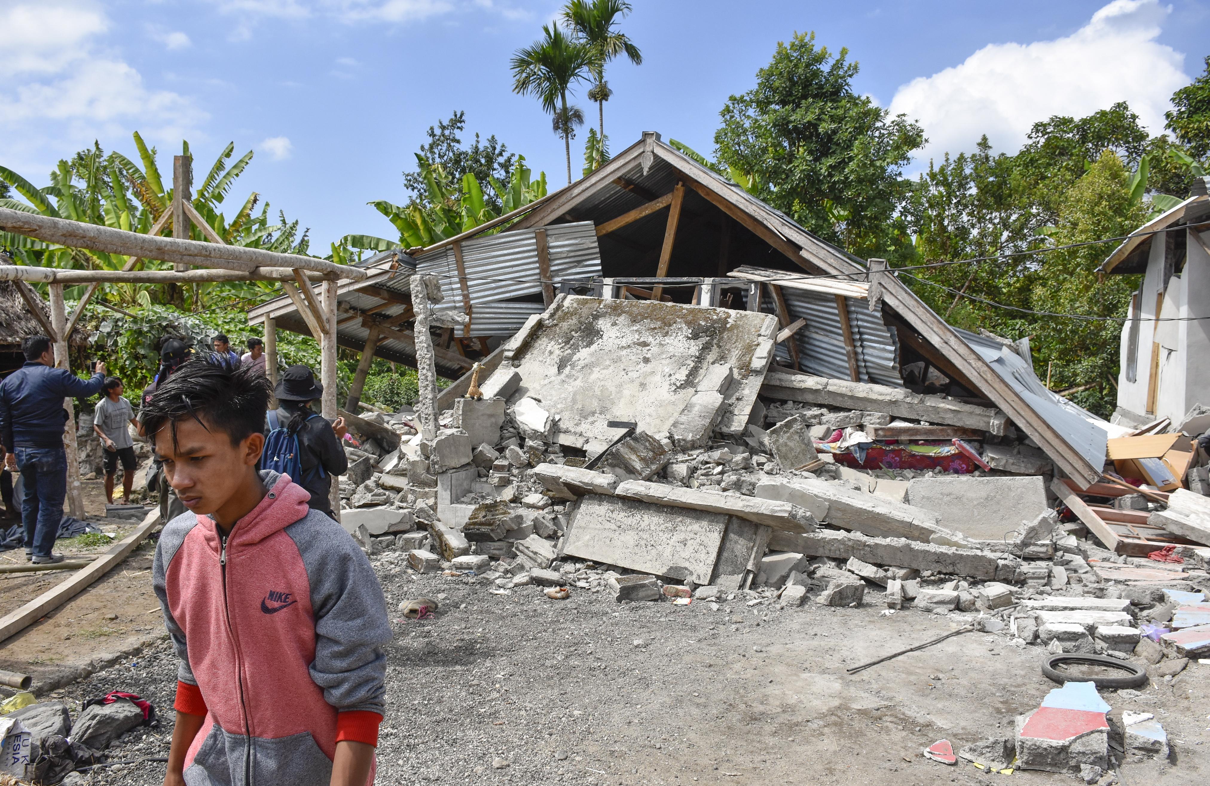 INDONEZIJA Najmanje 10 mrtvih i deseci ozlijeđenih u snažnom potresu