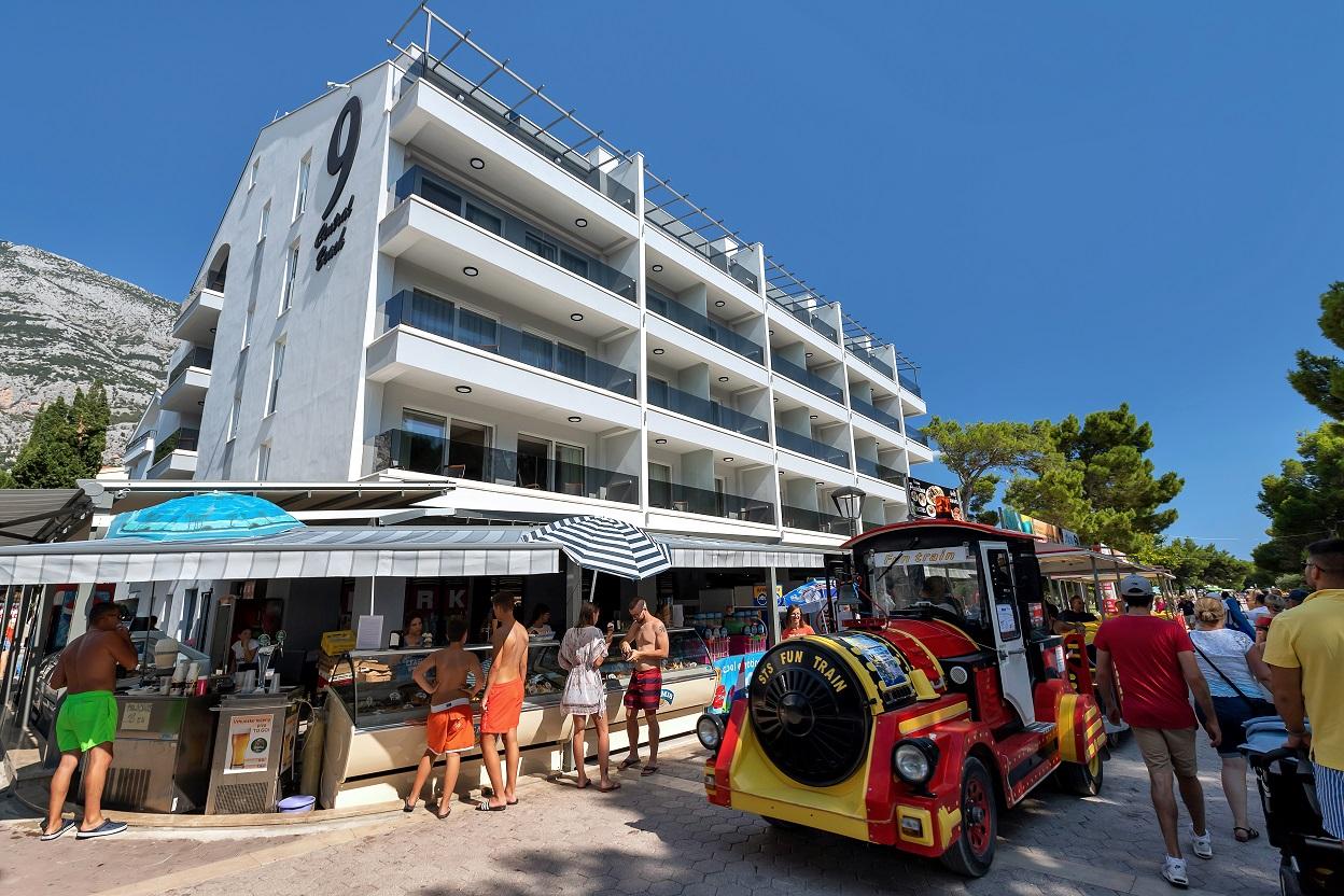 Prima Grupa opremila namještajem hotelCentral Beach 9