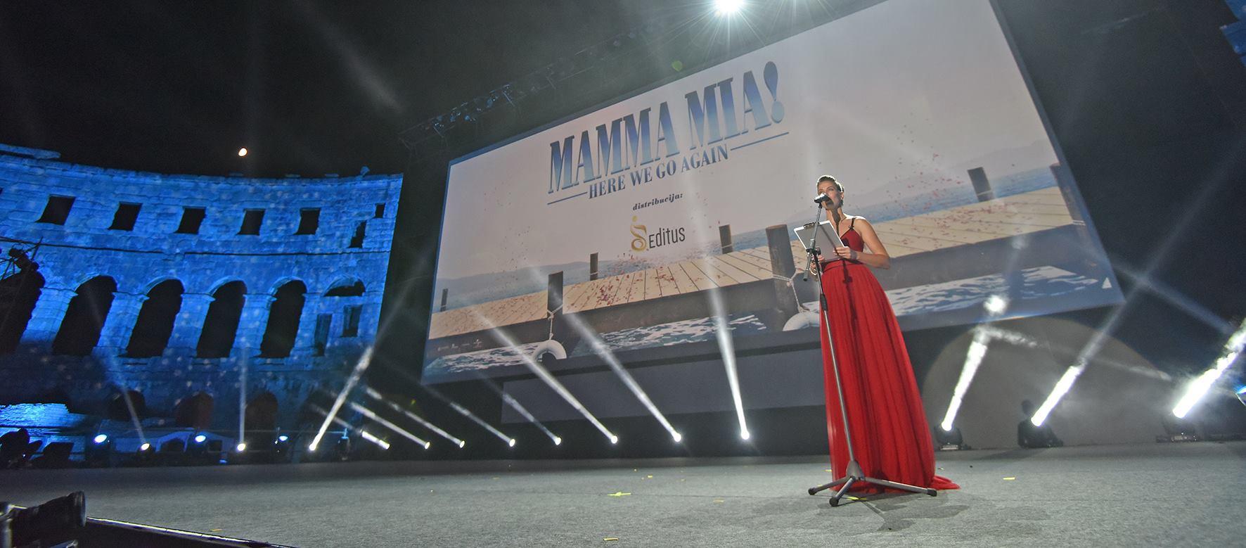Svečana premijera filma 'Mamma Mia: Here We Go Again!' oduševila prepunu Pulsku arenu