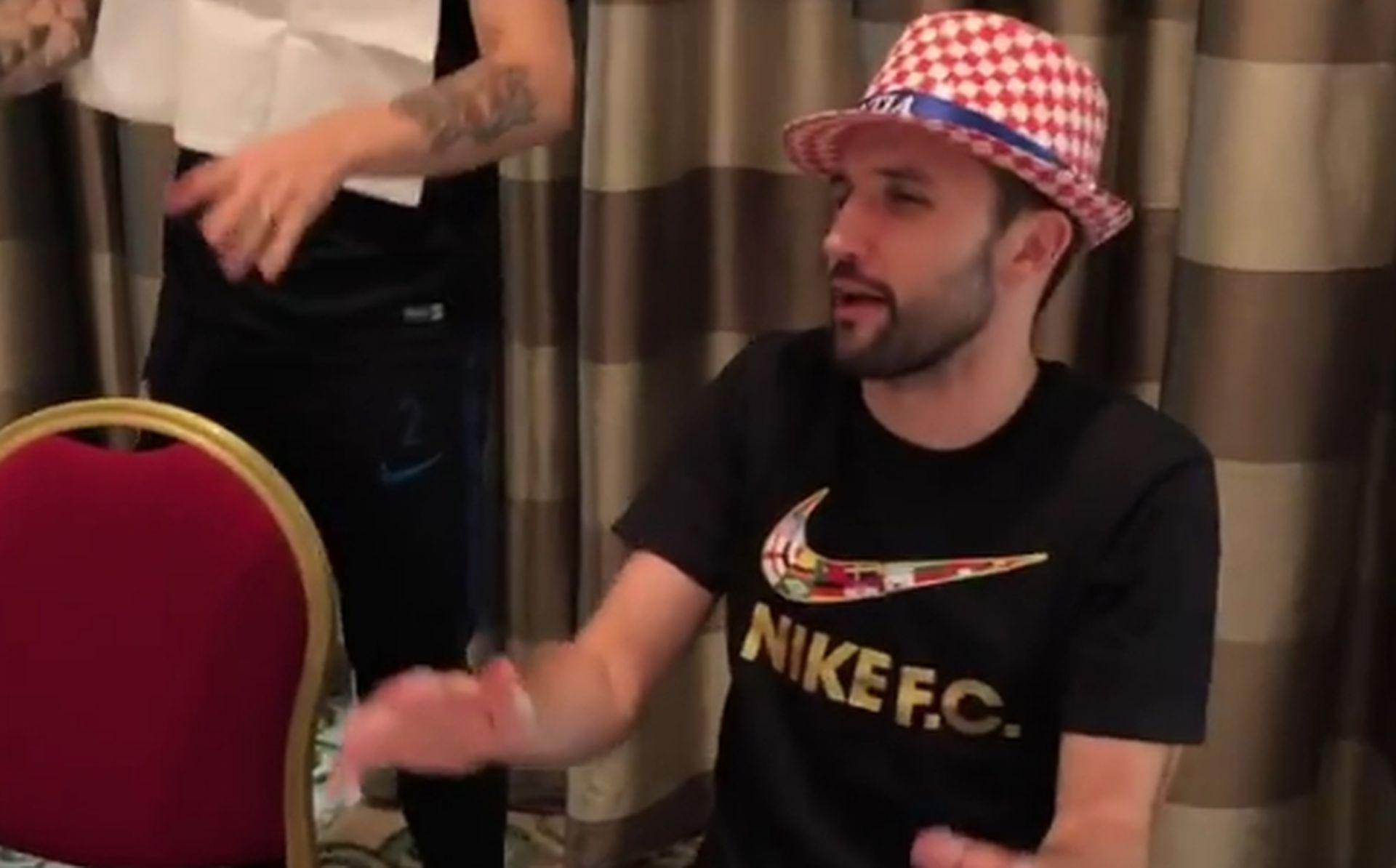 VIDEO: Raspjevani srebrni 'Vatreni' uoči povratka u Hrvatsku