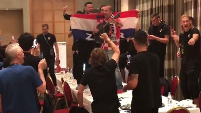 VIDEO: SNIMIO IZBORNIK DALIĆ Fešta heroja s Mladenom Grdovićem
