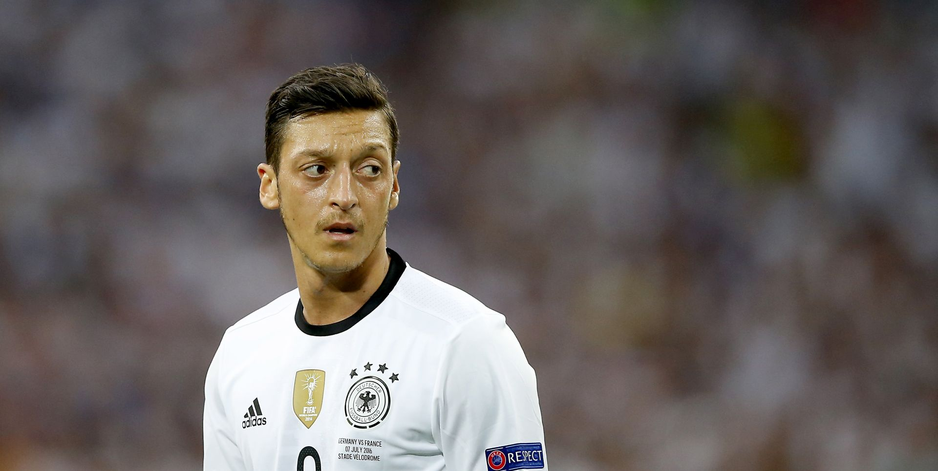 Kolašinac spasio Özila od kradljivaca automobila