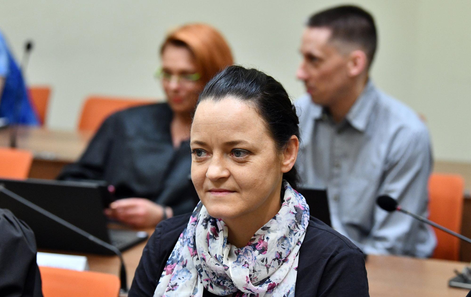 Njemačka neonacistkinja optužena za sudjelovanje u ubojstva 10 ljudi ispričala se obitelji žrtava