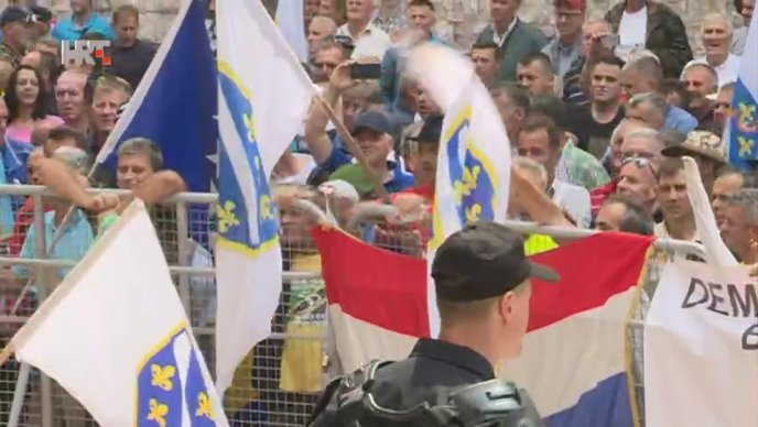 VIDEO Prosvjed branitelja u BiH izmaknuo kontroli