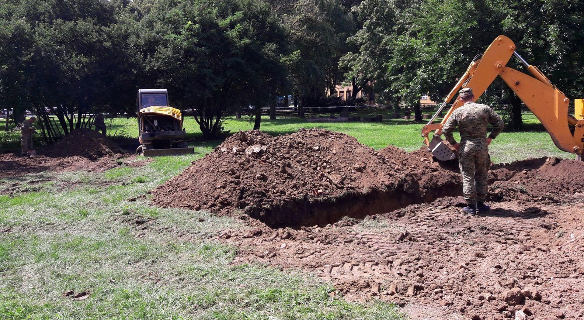 U masovnoj grobnici u zagrebačkoj Savskoj cesti pronađeno najmanje 25 kostura