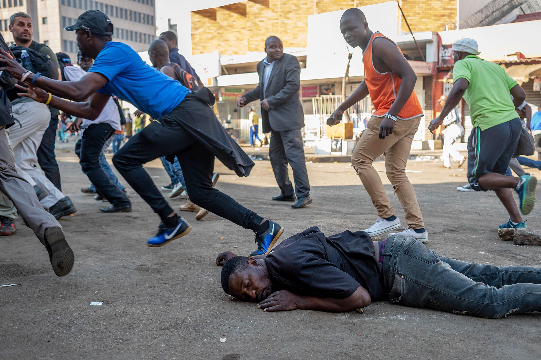 Postizborno nasilje u Zimbabveu odnijelo najmanje tri života