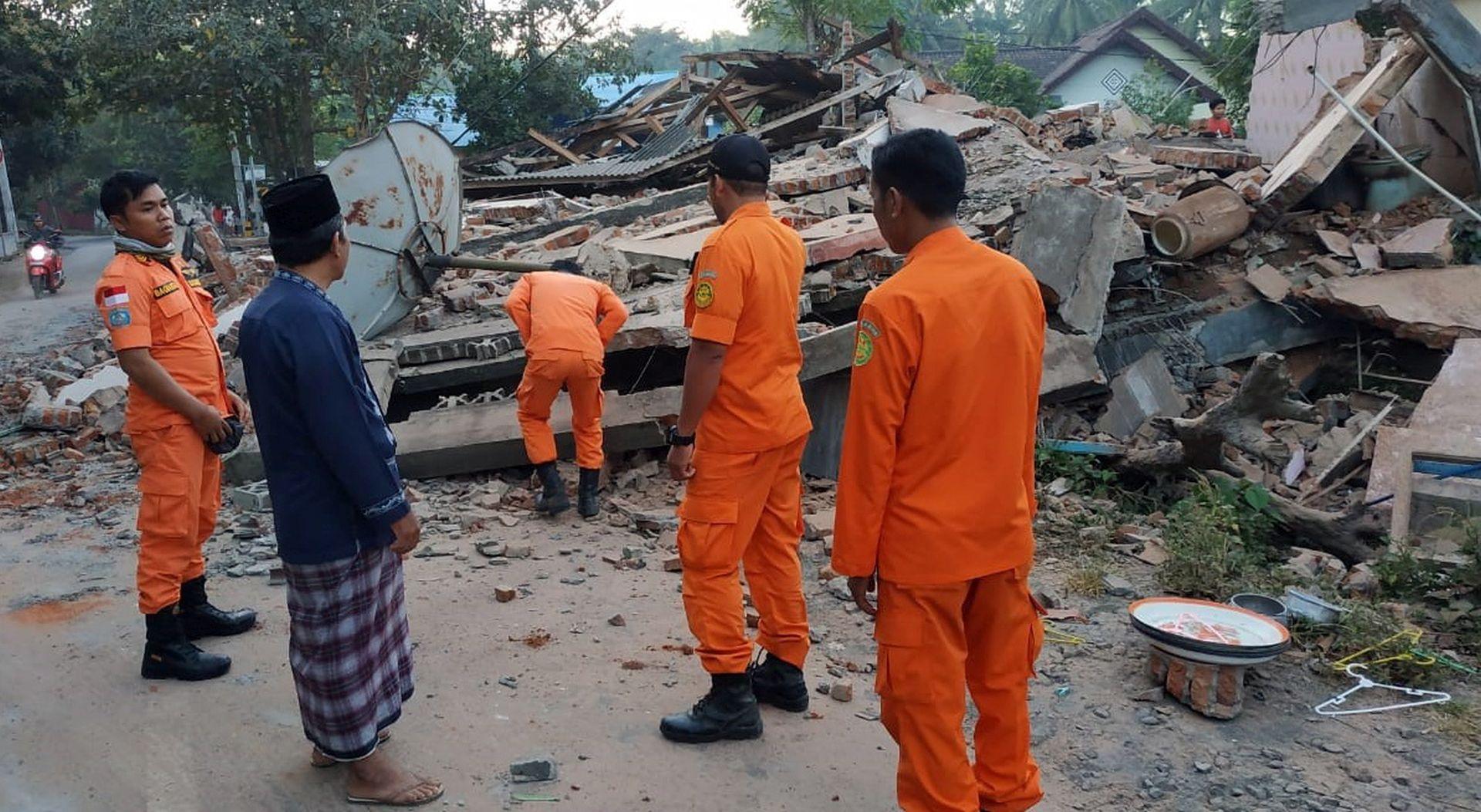 POTRES NA LOMBOKU Više desetaka mrtvih i tisuće evakuiranih
