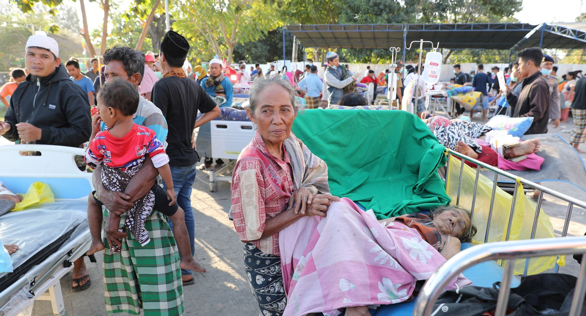 INDONEZIJA Više od 70.000 ljudi bez domova nakon potresa