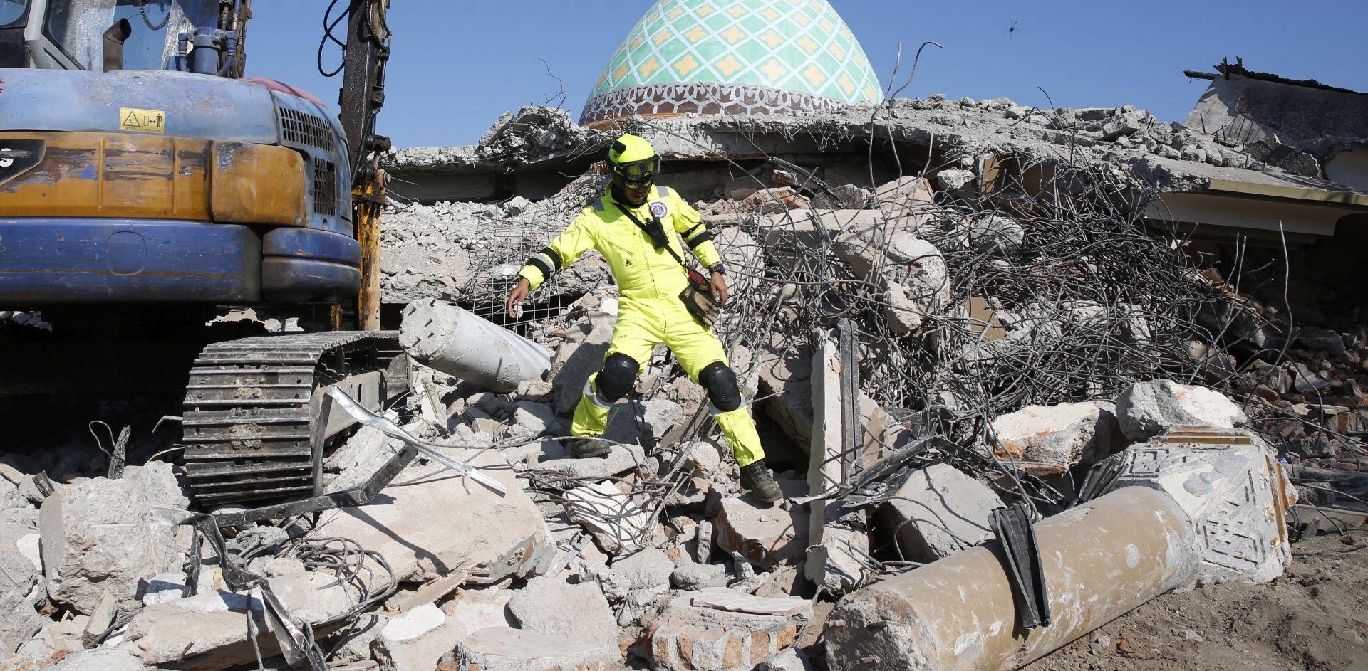 LOMBOK Broj mrtvih u potresu na popeo se na 387