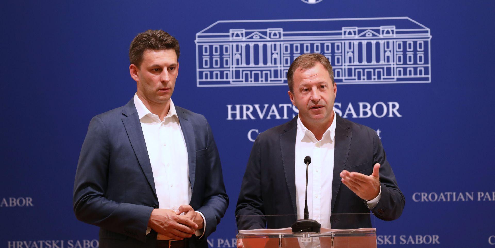 """PETROV """"Prepušta li Vlada prijedlogom Zakona o privatizaciji Inu MOL-u?"""""""