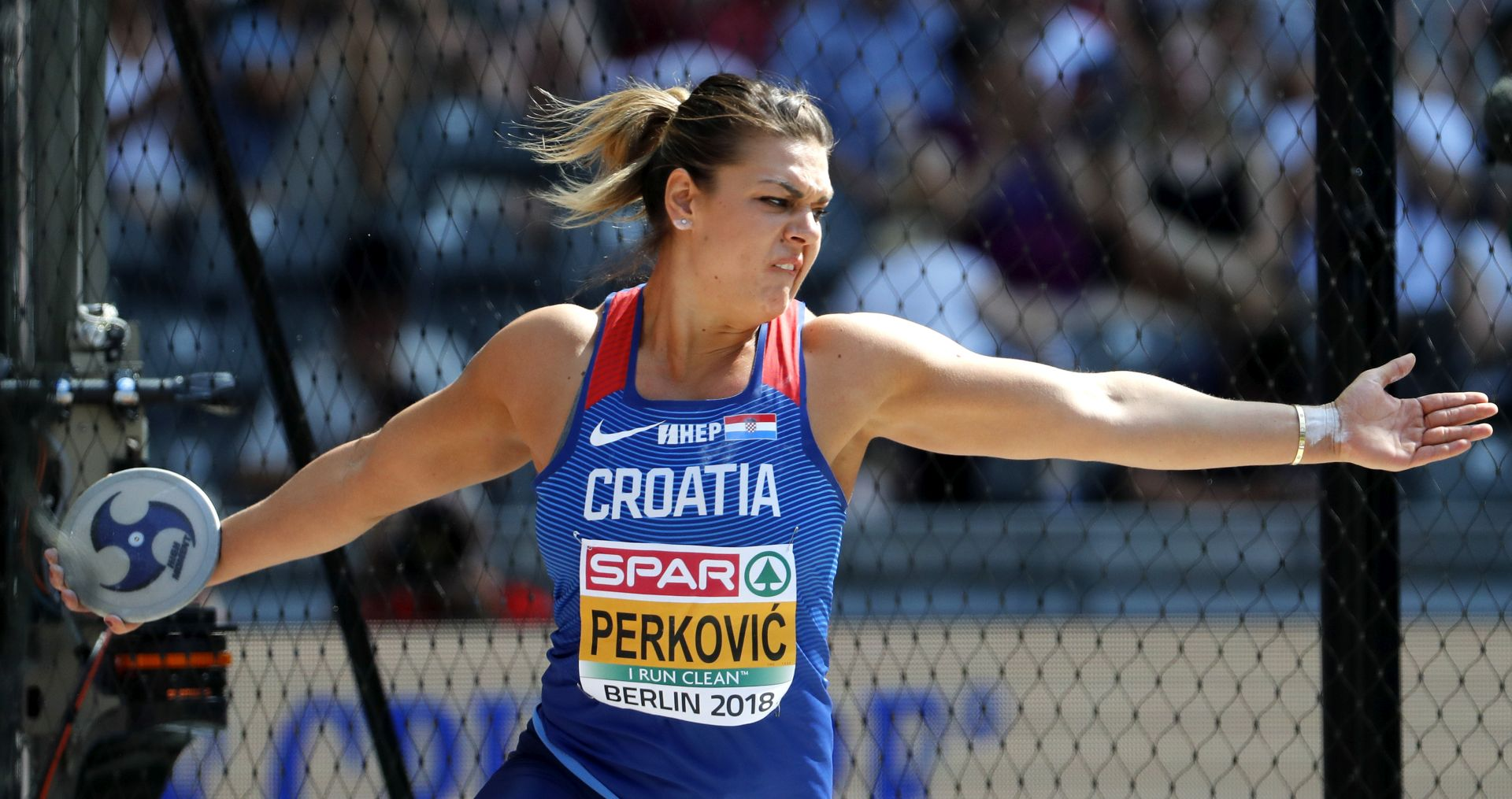UŽIVO: BRAVO SANDRA! Perković europska prvakinja!!!