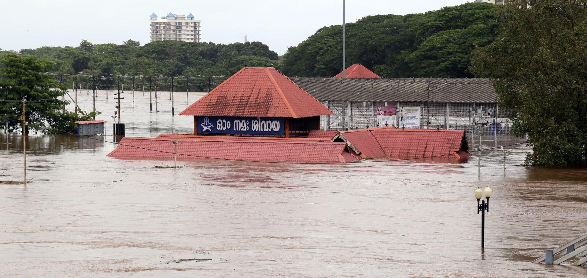 U povijesnim poplavama u indijskoj državi Kerali 43 mrtvih