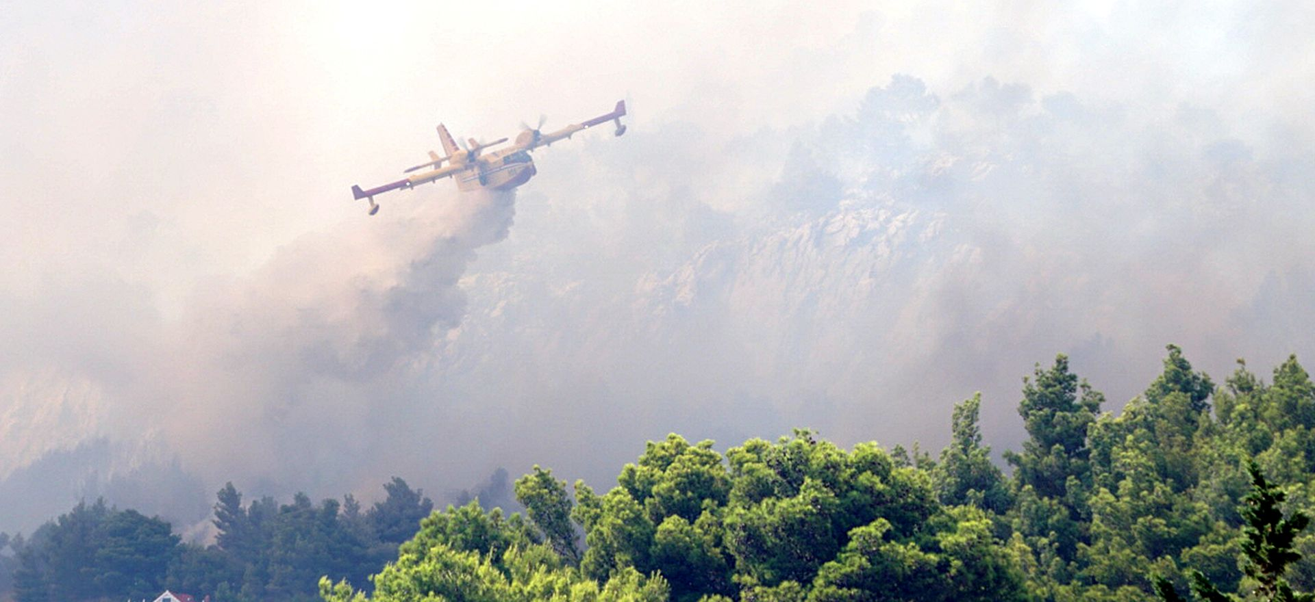 "Krstičević na požarištu; pilot: ""Dočekala nas je velika površina pod vatrom"""