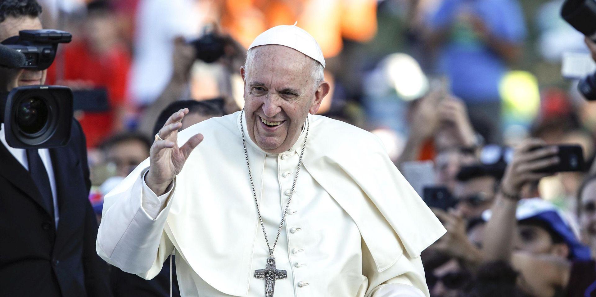 Papa dolazi u Irsku u jeku skandala oko svećeničkog zlostavljanja