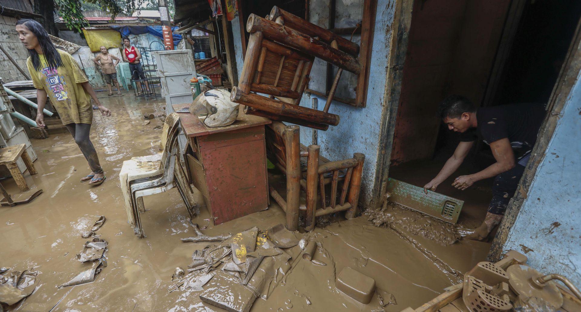 Tajfun u Kini usmrtio tri osobe, 200.000 evakuiranih