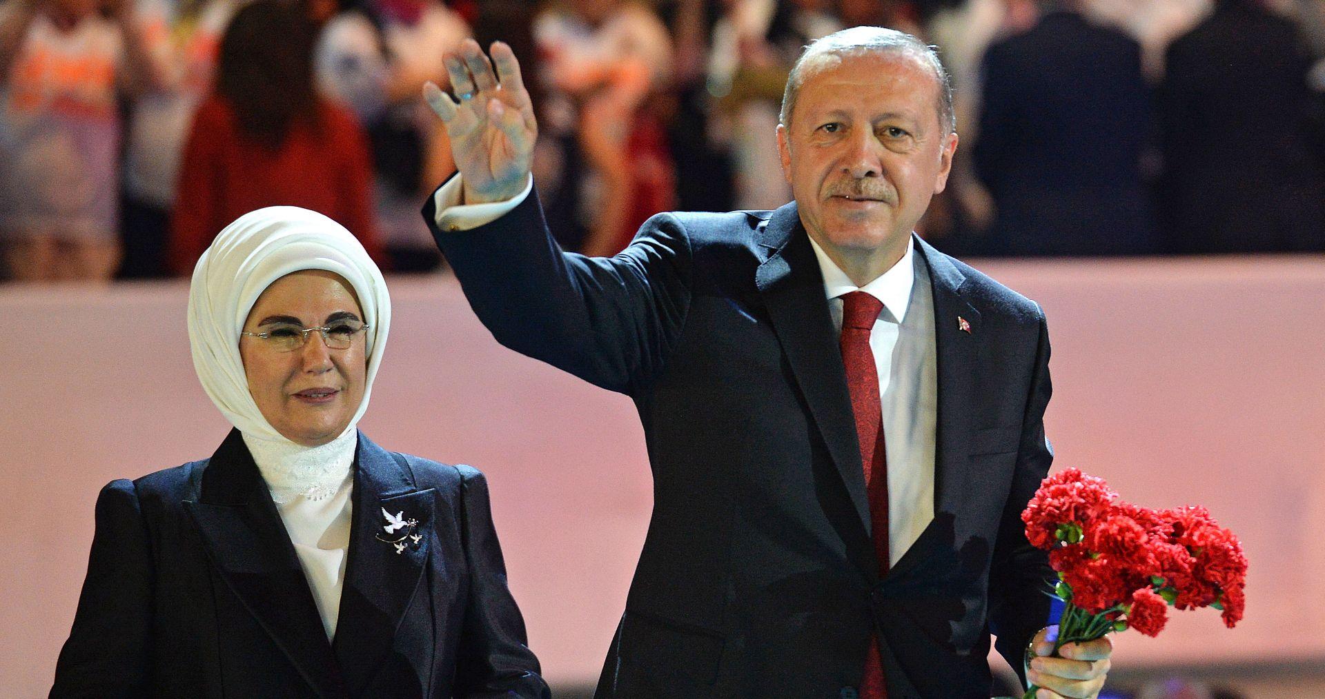 Erdogan u Koelnu otvara jednu od najvećih džamija u Europi