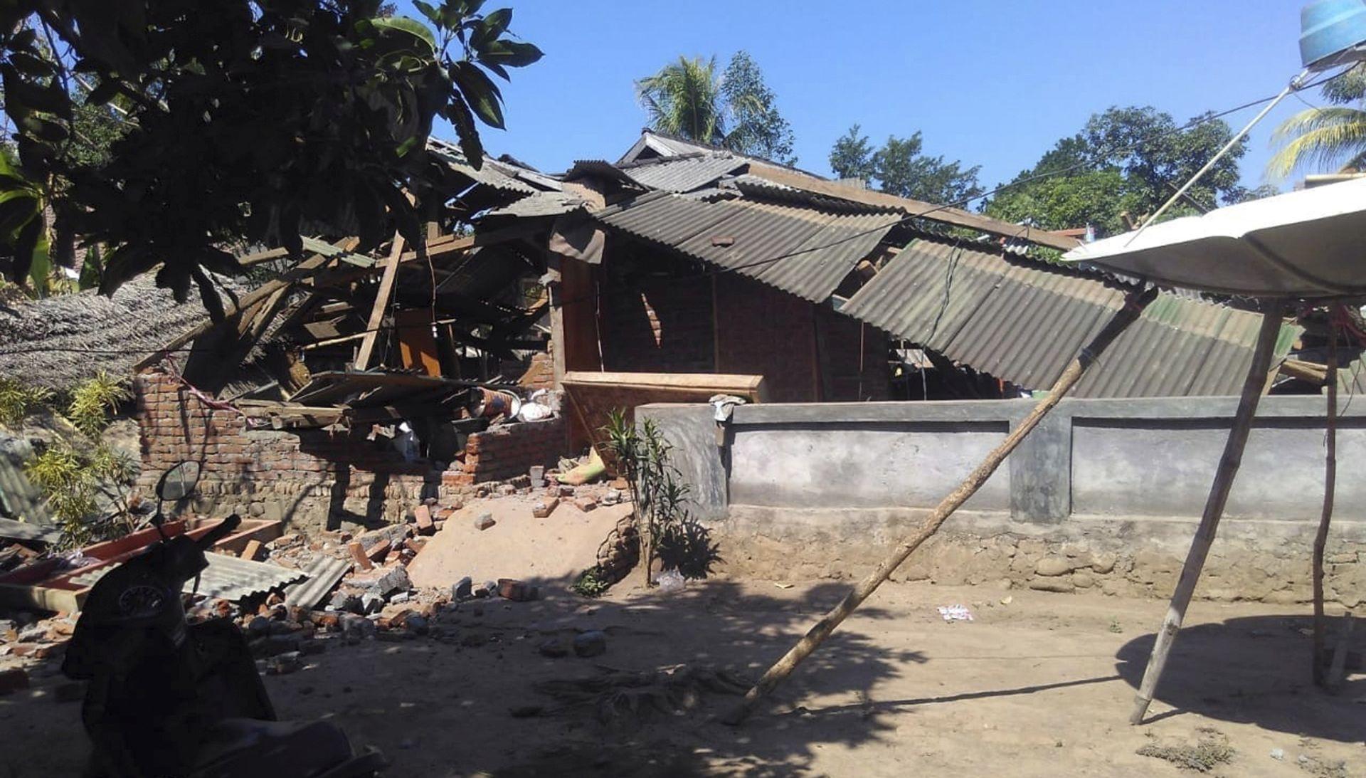 Novi potres u Indoneziji, najmanje deset poginulih