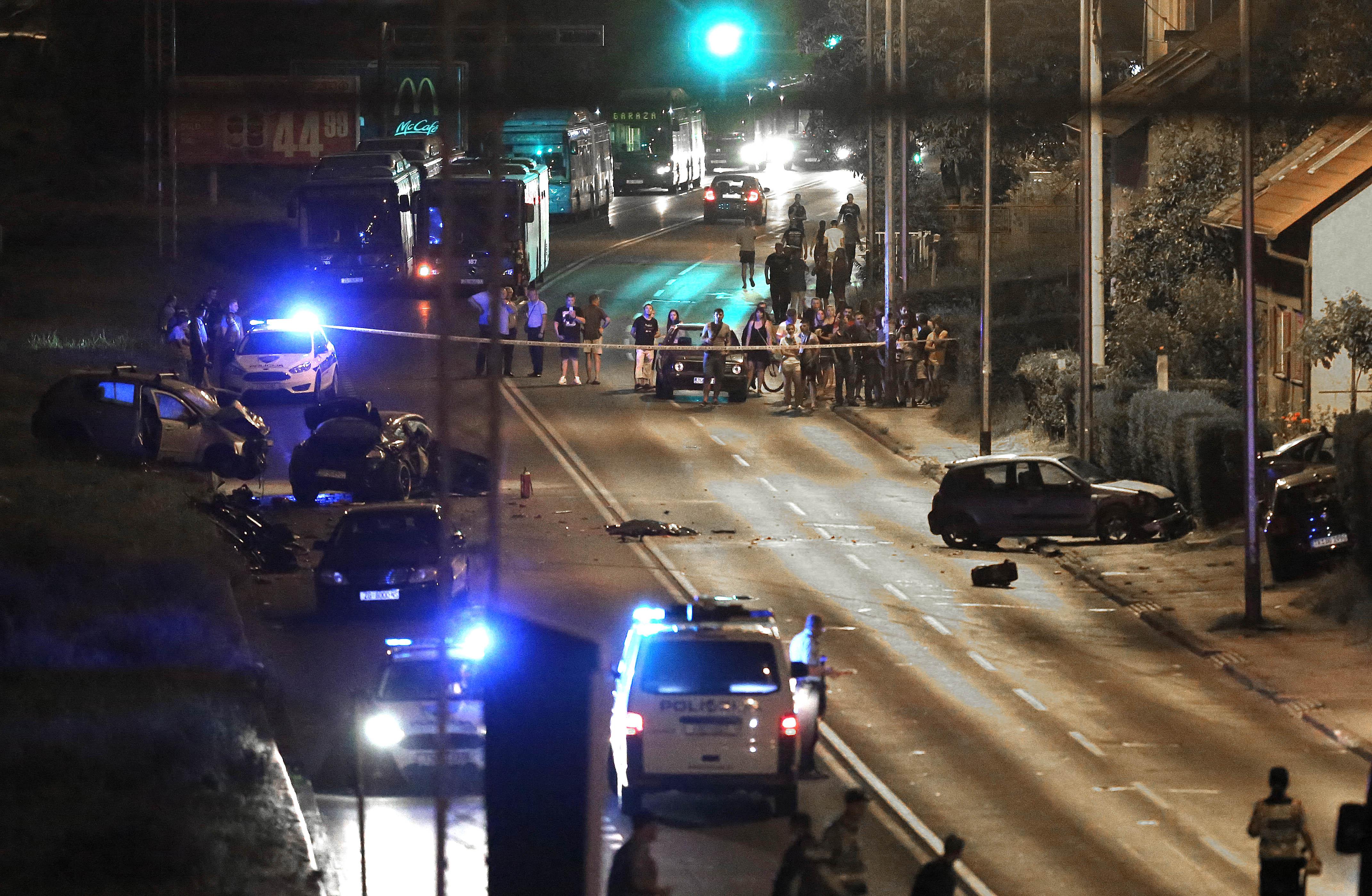 FOTO Teška prometna nesreća na Ilici, dvije osobe poginule, tri ozlijeđene