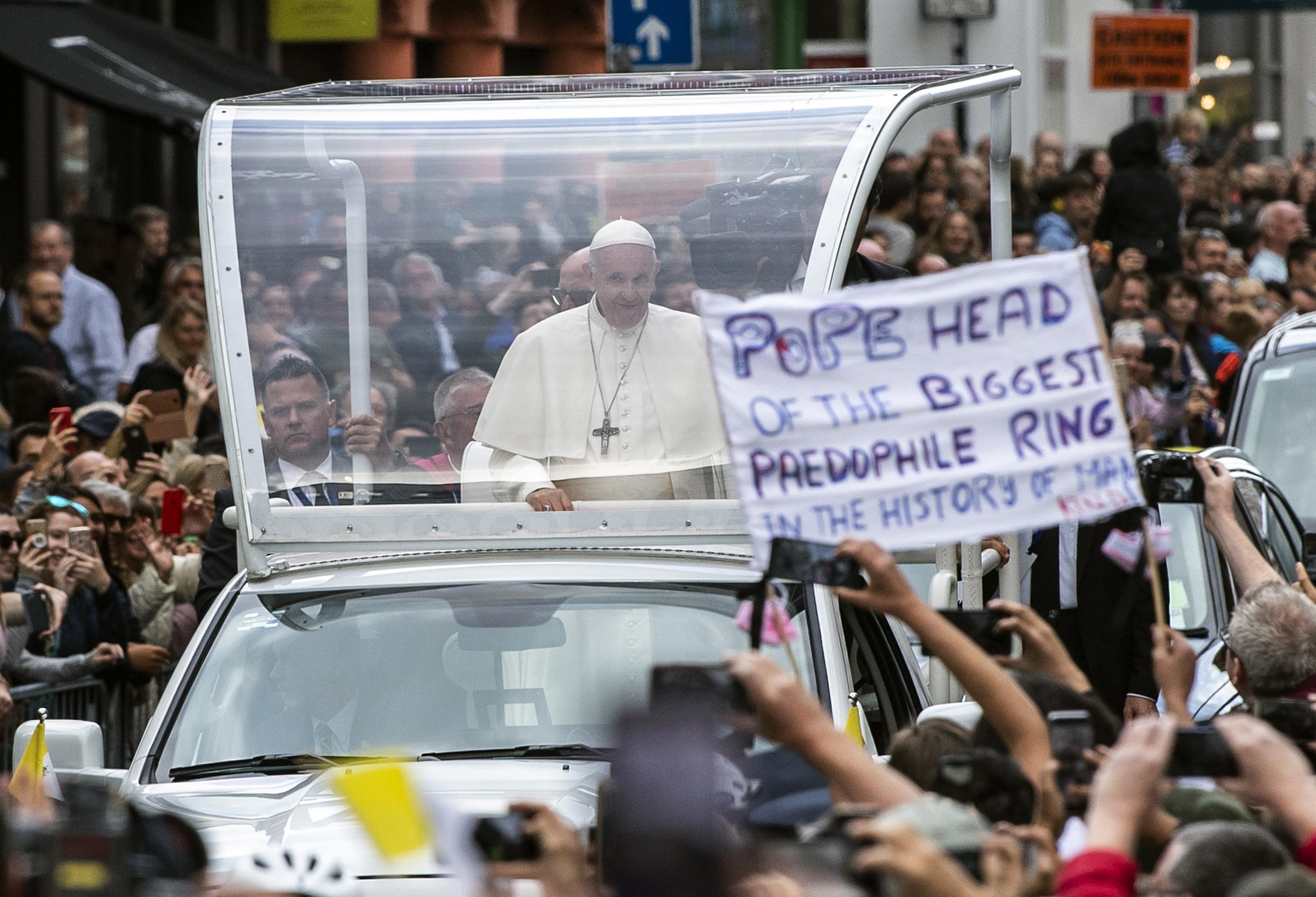 Papa završava posjet Irskoj kojim je dominirao problem svećeničkih zlostavljanja djece