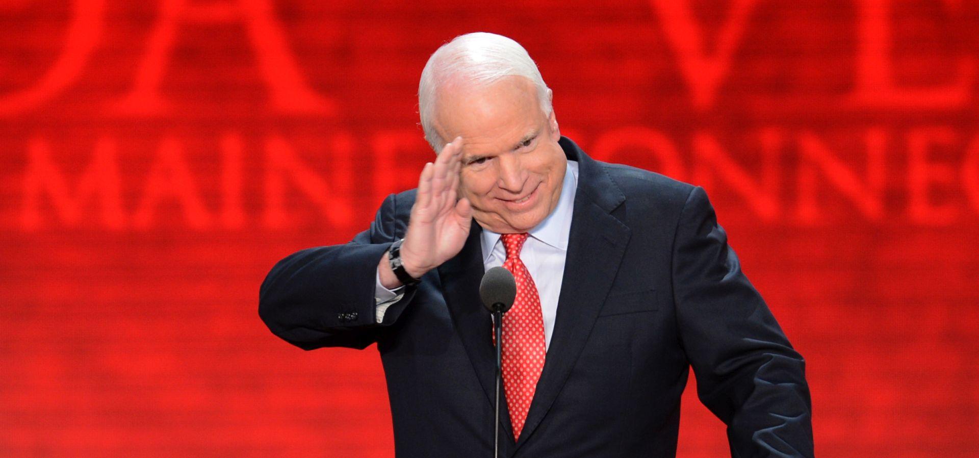 Amerika žaluje za McCainom, ratnim herojem i političkom ikonom
