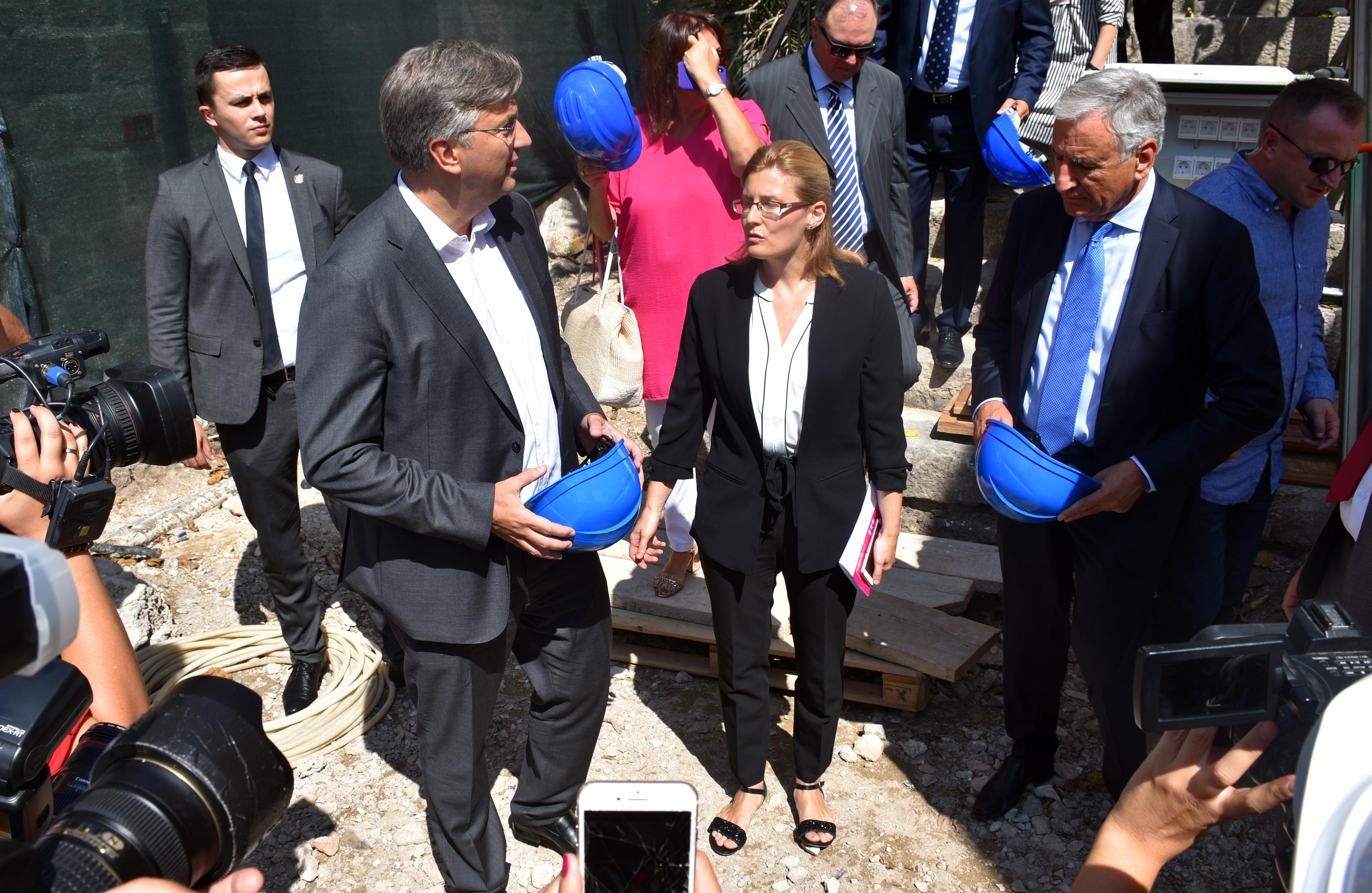 PLENKOVIĆ 'Europska komisija upoznata je s odlukom Vlade za plaće u Uljaniku'